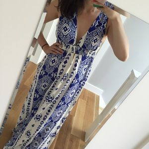 Forever 21 Dresses & Skirts - Forever 21 print maxi dress