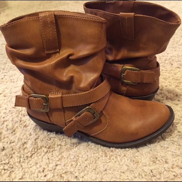 Unbranded - Tan western low heel strapy ankle booties 8 from ...