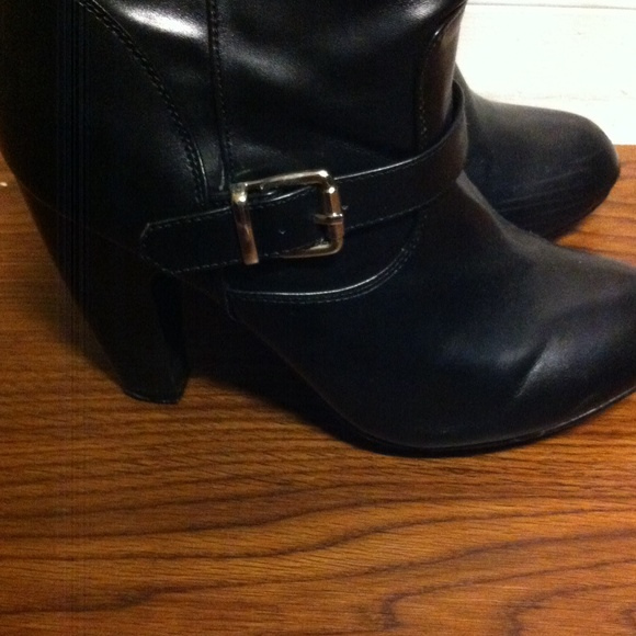 83 shi by journeys boots black leather boots