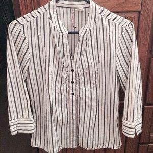 White w/ black stripes button up shirt sz XL