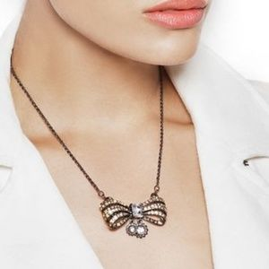 JEWELMINT VINTAGE BOW NECKLACE - BRAND NEW IB
