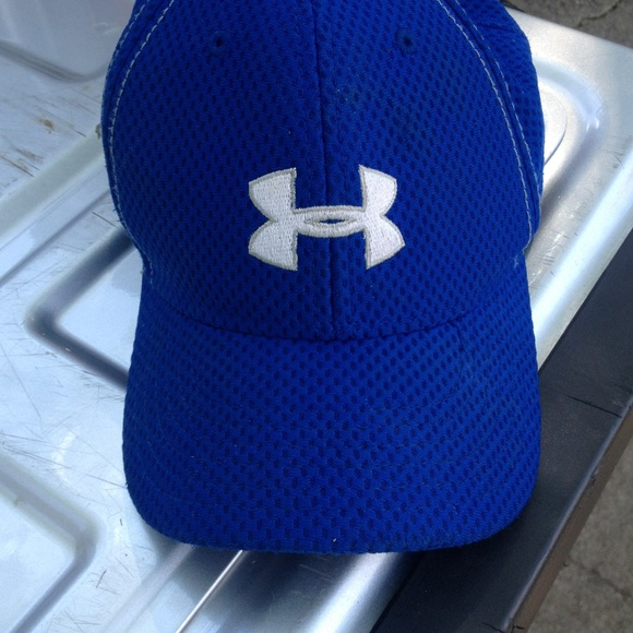 Youth under armour hat. M 55428bd1ea3f36458b001e7f 22402415de7