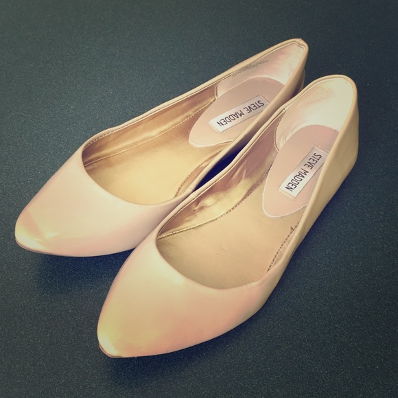 Steve Madden Ibiza Nude Ballet Flat w/ Pointed Toe