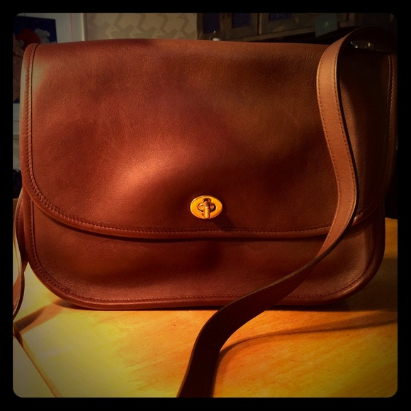 2ed286afc076 Coach Handbags - Vintage Coach Leather 9790 Crossbody Messenger Bag