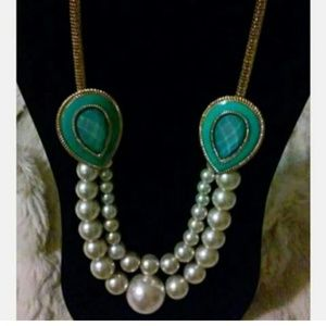 Pearl stoned necklace