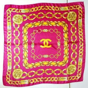 CHANEL CHAIN OVERSIZED SILK SCARF