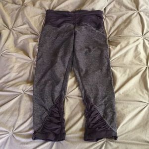 Lululemon blue heathered crops 4