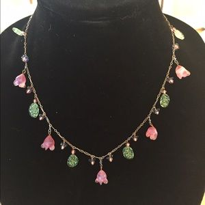Jewelry - Beautiful necklace! Dangling glass flowers leaves