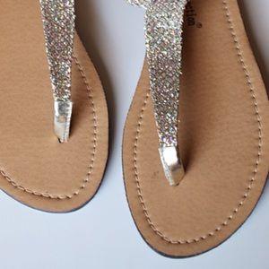 36db94e6430a52 Shoes - ✨ Tan Sparkle thong sandals t strap silver