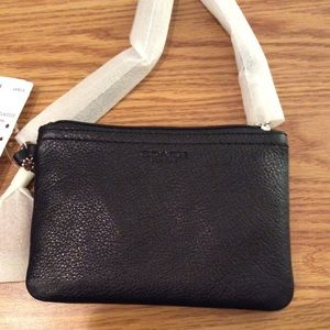 NWT COACH PARK LEATHER SMALL WRISTLET