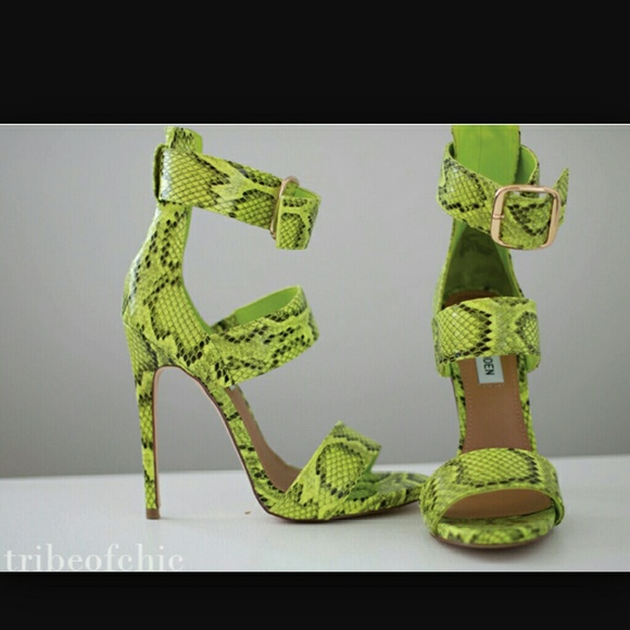 553d04ce7bd Steve Madden mysterii green snake heel
