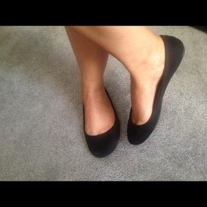 Shoes - On hold for Allison. $5 as Add on. Black flats.