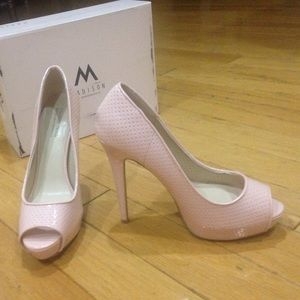 Heels reduced!
