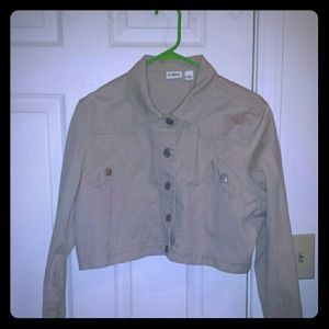 *MOVING SALE- ACCEPTING OFFERS* Khaki half jacket!