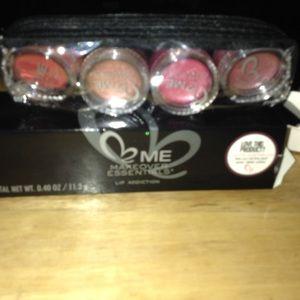 Makeover essentials Other - Makeover essentials (lip addiction)