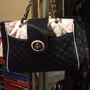 Black & white purse