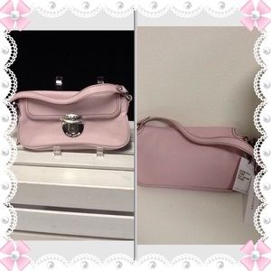 Marc Jacobs Handbags - NWT Authentic Marc Jacobs Handbag😀SALe😀😀