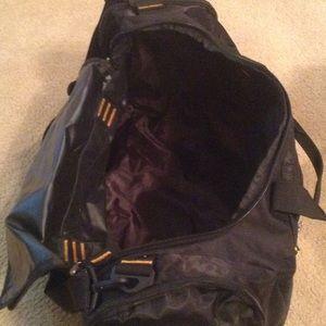 08258522b735 LA Fitness Bags - Gym Bag and cap