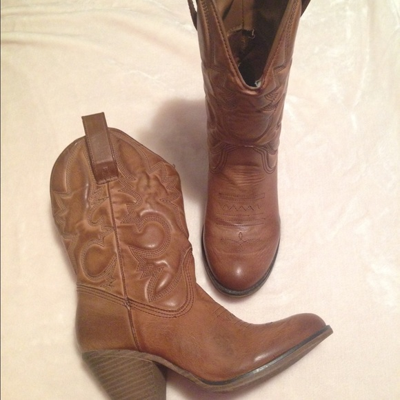 50% off Shoes - Size 7 1/2 - 8 Brown Cowboy Boots fits wide calf