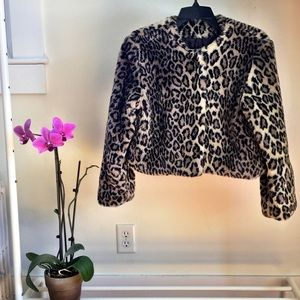 T.P. Saddleblanket & Co.  Jackets & Blazers - Beautiful cropped leopard faux fur jacket!