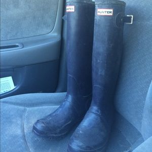 NOT FOR SALE Hunter Aubergine boots