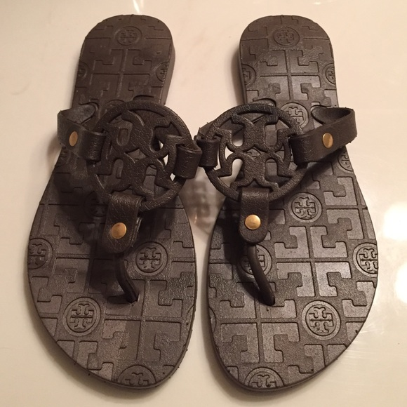 750b96614f3 NWOT Tory Burch Inspired Sandals. M 55456c9e6802781465008fbe
