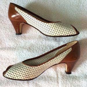 Vintage Shoes - Vintage White & Brown Peeptoe Kitten Heels