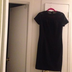 Gina bacconi Dresses & Skirts - Chic and simple LBD