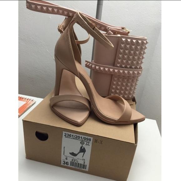 d0949b6d645 ZARA nude minimalist barely there heels. M 5547655944adba1cf200d094