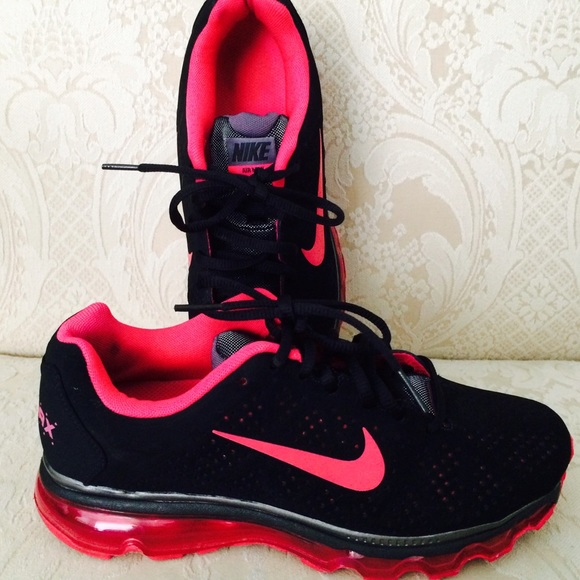 fe55a09656ab Nike Shoes - 🔥 NIKE AIR MAX Pink   Black 7.5 shoes sneakers