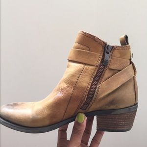 Vince Camuto Brown Leather ankle boots