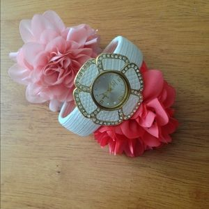 Accessories - 🌼White Cuff Watch