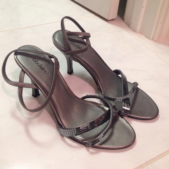 493c342a950 Fabulaire Shoes - Silver heels. Size 7.5