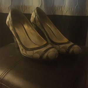 Authentic Coach Kerryann wedge heels