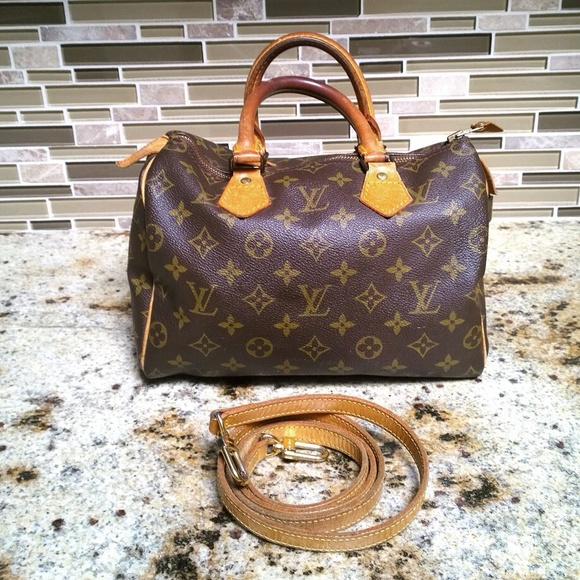 ccd4ae6c00bf Louis Vuitton Handbags - ON HOLD- Authentic Vintage LV Speedy 25