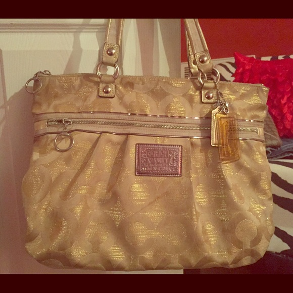 coach bags outlet online stores 2si8  coach poppy gold