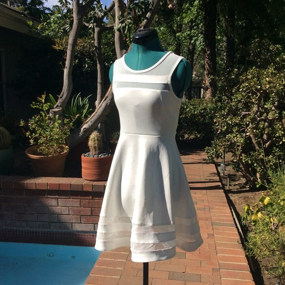 ⓃⓌⓄⓣ WHITE w MESH FIT AND FLARE SLEEVELESS DRESS