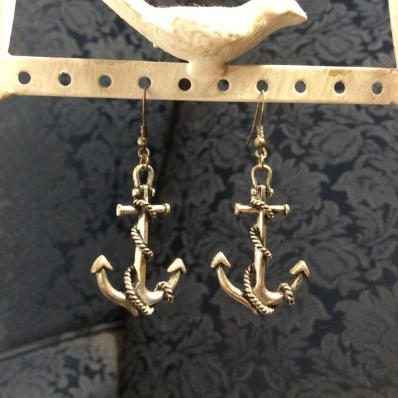 Forever 21 anchor earrings from virginia 39 s closet on for Forever 21 jewelry earrings