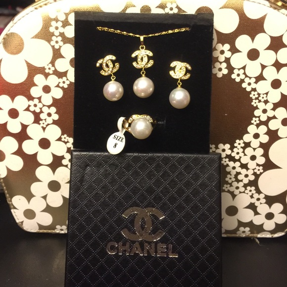 CHANEL Jewelry Pearl Set In Gold Poshmark