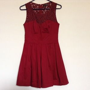 Aritzia Dresses & Skirts - Aritzia lace ox blood dress