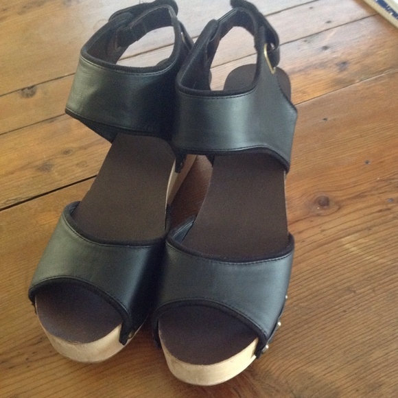 86 Off Ecote Shoes Ecote From Urban Outfitters Wood
