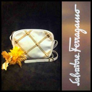 Ferragamo Handbags - 🔘Vintage Salvatore Ferragamo's Leather Crossbody