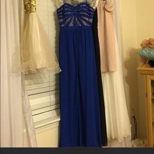 Dresses & Skirts - Beautiful prom dress never wornSize 0-2 I paid 395