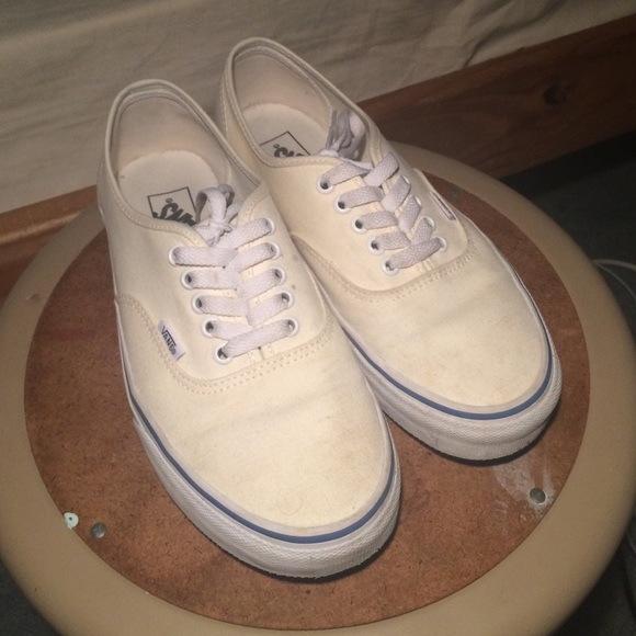 Vans Shoes - 9 10 slightly used Vans authentic Off White size 9 7cfae315a