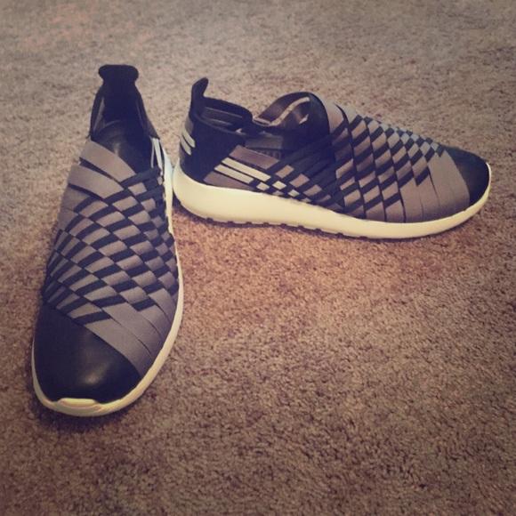 Nike Roshe slip on tennis shoes