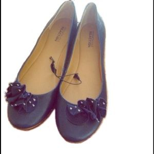 Kenneth Cole Reaction Navy Blue Flats