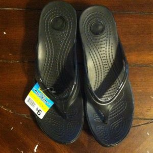 43435b0004ee79 Dollar General Shoes - Flip flops.