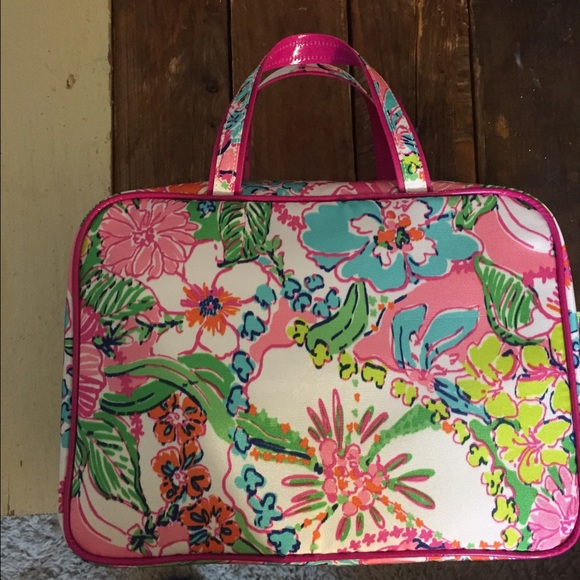 ceb0723e43ff Lilly Pulitzer Target weekender bag nosie posey