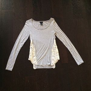 Gray & White Stripe Crochet Side Long Sleeve Tee