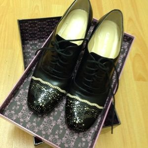 carlo pazolini Shoes - Black lace shoes....patent & calf leather combined